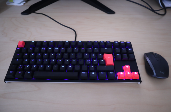 Ducky One 2 keyboard unboxed